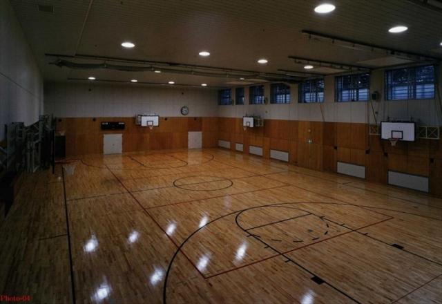 Japanese school gym-8410